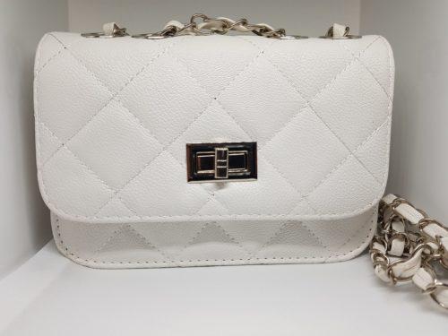 Valkoinen käsilaukku